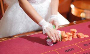 casino-woman-300x180
