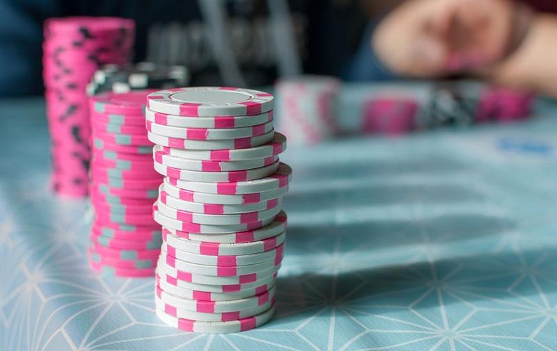 pink.poker-chips